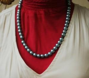 kalung mutiara biru